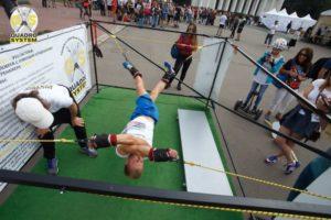 Фото: лечебная гимнастика при остеохондрозе на тренажере QS