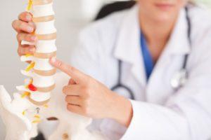 Фото: Симптомы межпозвоночной грыжи поясничного отдела